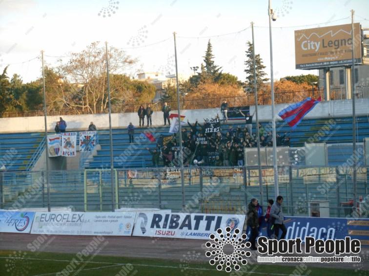 Fidelis-Andria-Catania-Serie-C-2017-18-04