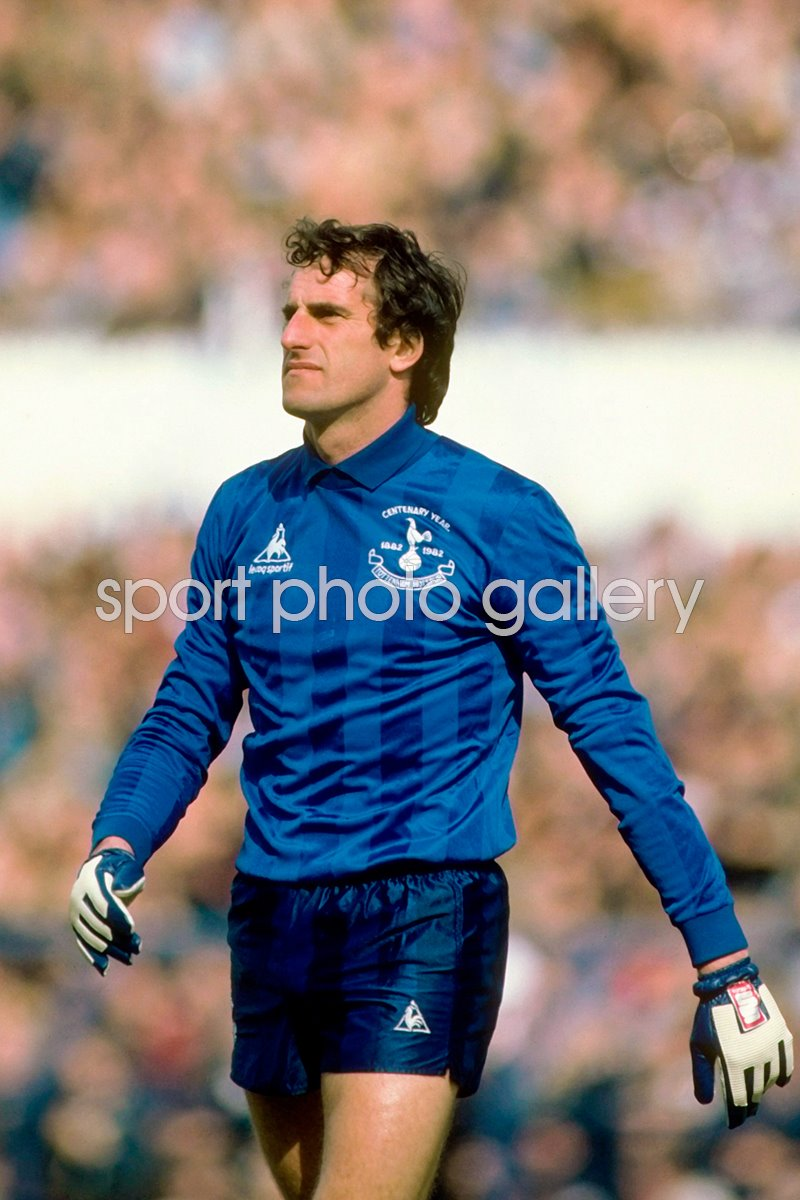 British Clubs pre 1992 Photo | Football Posters | Ray Clemence