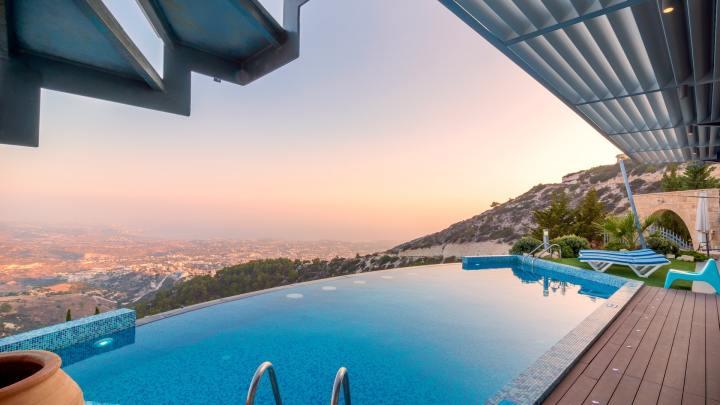 Maintenir le taux de chlore idéal dans sa piscine en 5 minutes