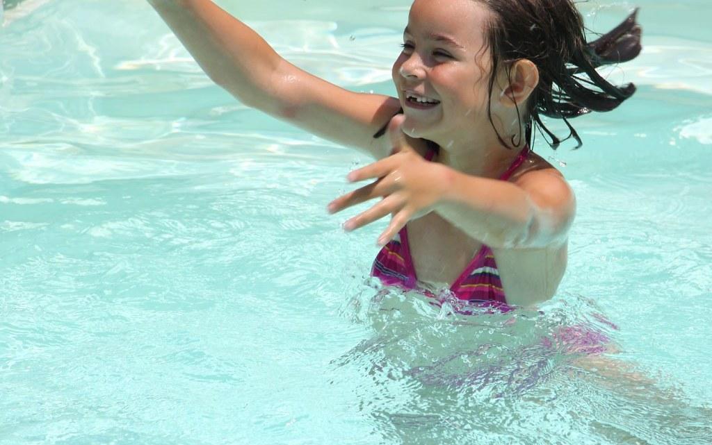 Robot de piscine fond, parois et ligne d'eau