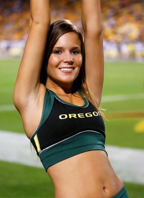 oregon-cheerleader-lisa25