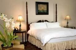 tim-tebow-bedminster-trump-cottage-bedroom