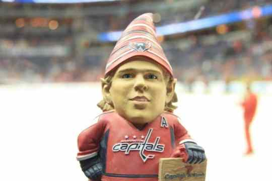 nicklas-backstrom-garden-gnome-3