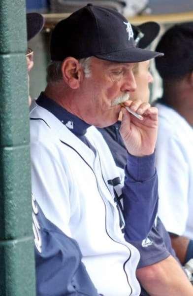 jim-leyland-smoking
