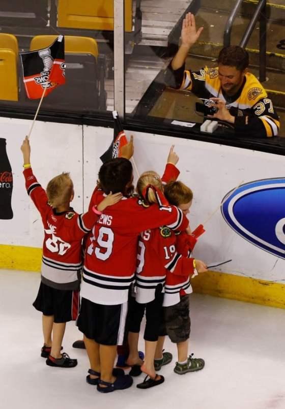 boston-bruins-fan-chicago-blackhawks-kids