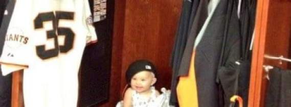 brandon-crawford-daughter-crop