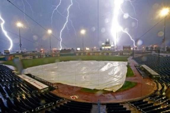 midland-rockhounds-lightning