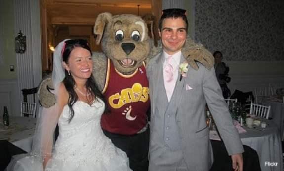 cleveland-cavaliers-moondog-wedding-1