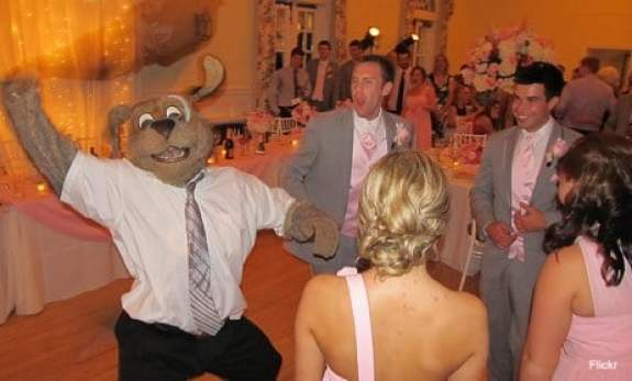 cleveland-cavaliers-moondog-wedding-6