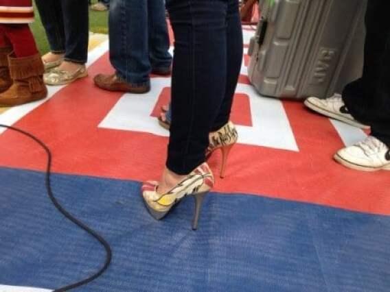 robert-griffin-iii-wife-redskins-heels