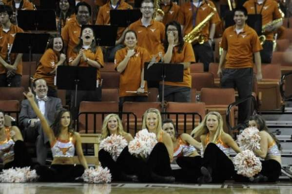bat-vanderbilt-texas-game-cheerleaders