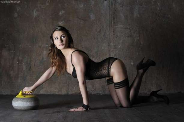 russia-women-olympic-curling-team-14