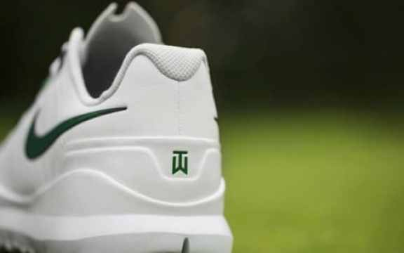 tiger-woods-masters-shoes-2