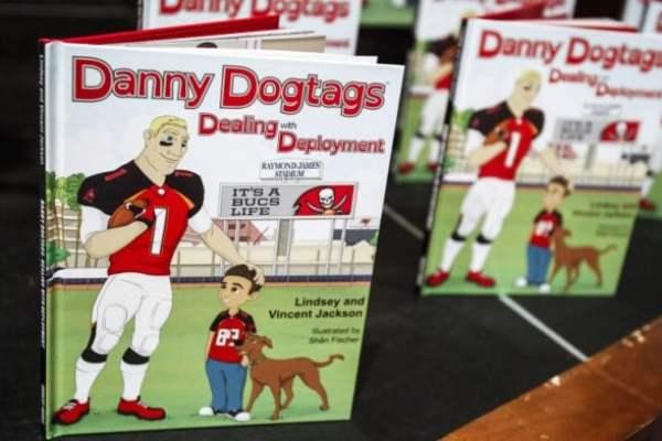 danny-dogtags-vincent-jackson