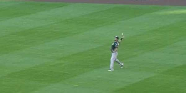 josh-reddick-bat-throw