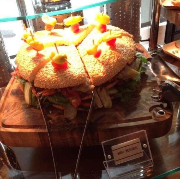 wow-burger-charlotte-hornets