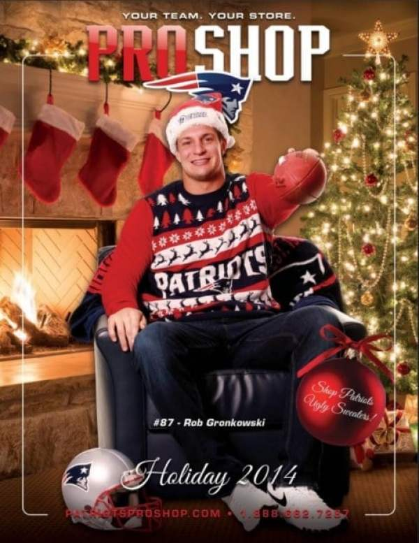 the best attitude 301f6 ffefd Patriots can't keep ugly X-Mas sweater modeled by Rob ...
