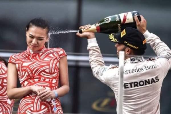 lewis-hamilton-champagne