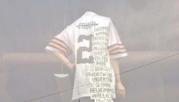 new concept a5c82 9de7f Browns fans pay tribute to 'QB Factory of Sadness' jersey at ...
