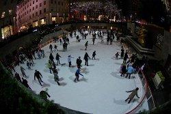 Weinachten Eislaufen by chuckyeager