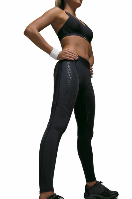 Ultimate Body Support Hose mit Model Front