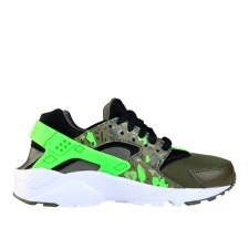 RS101515_Foot Locker_Nike Huarache Camo Kids 316373144704_01-scr