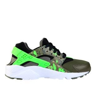 RS101515_Foot Locker_Nike Huarache Camo Kids 316373144704_01-scr