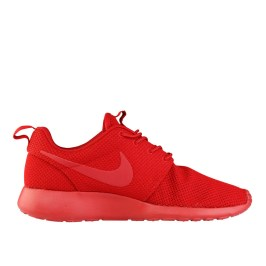RS101522_Foot Locker_Nike Roshe One Men 314209604504_01-scr