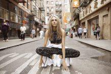puma-cara-delevigne-rihanna-do-you-womens-campaign-16aw_cc_wmn_do-you_cara_180-125