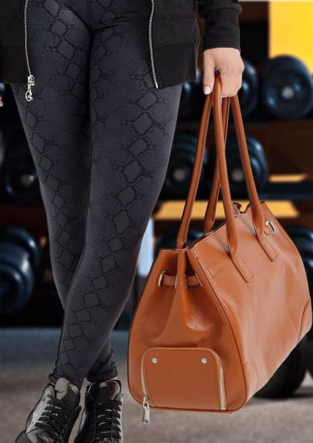gym-girl-gym-bag-icon-cognac