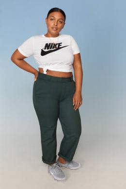 Nike-Plus-Size-Collection-Sportbekleidung-Paloma-Elesser-2-3_67021