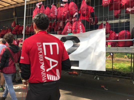 milano-marathon-mailand-sports-insider-kleiderbeutel