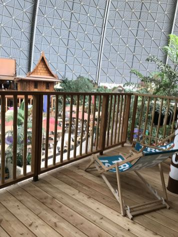 Hotel-Zimmer-Tropical-Islands-Uebernachten-Terrasse