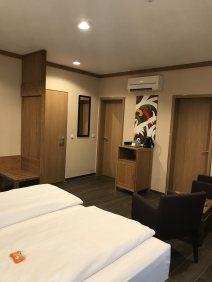 Hotel-Zimmer-Tropical-Islands-Uebernachten-wohnzimmer