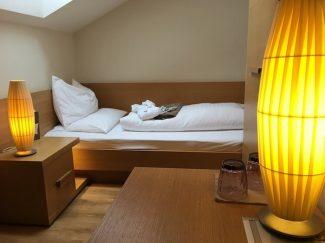 Lanerhof_winkler_hotel_pustertal_Suedtirol_wellness_urlaub_familienhotel_test_kronplatz_outdoor_berge_012_suite_zimmer