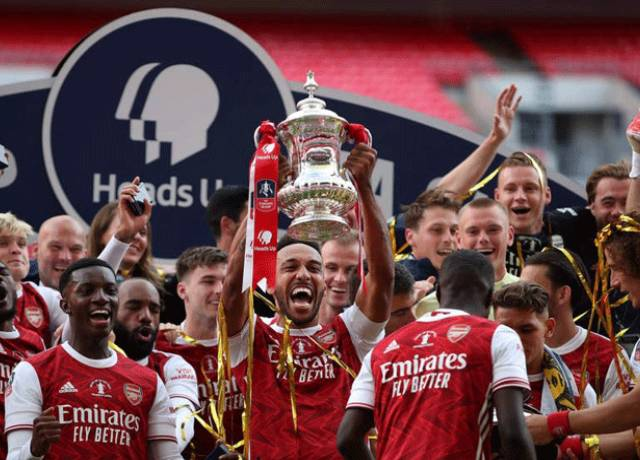 Arsenal beat Chelsea 2-1 to win 14th FA Cup title