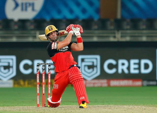 AB de Villiers becomes the first foreign player to earn 100cr in IPL