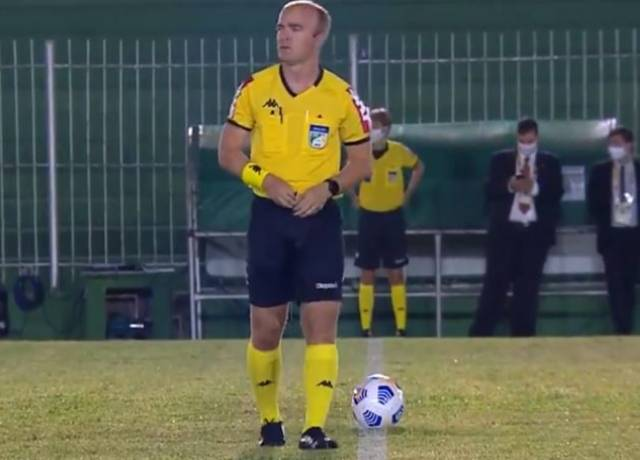 Referee caught peeing in pants on the pitch