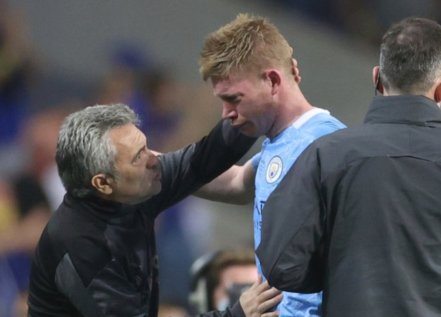De Bruyne suffers serious fractures on his face
