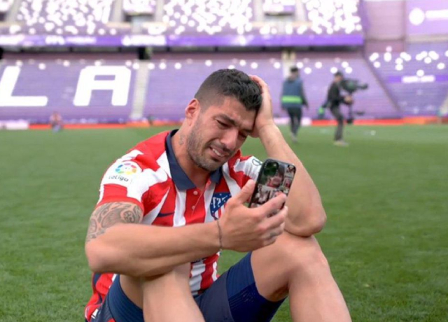 Suarez broke down in tears after title win, Messi and Neymar hailed their teammates