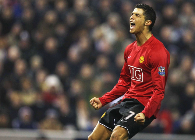 What jersey numbers are available to Cristiano Ronaldo at Manchester United?