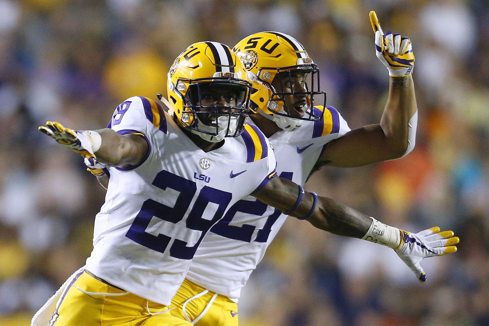 betting college football futures