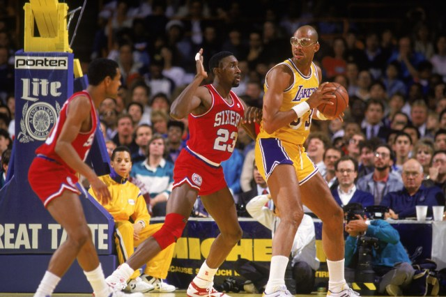 One of the greatest college basketball players ever, Kareem Abdul-Jabbar shows off his talent.