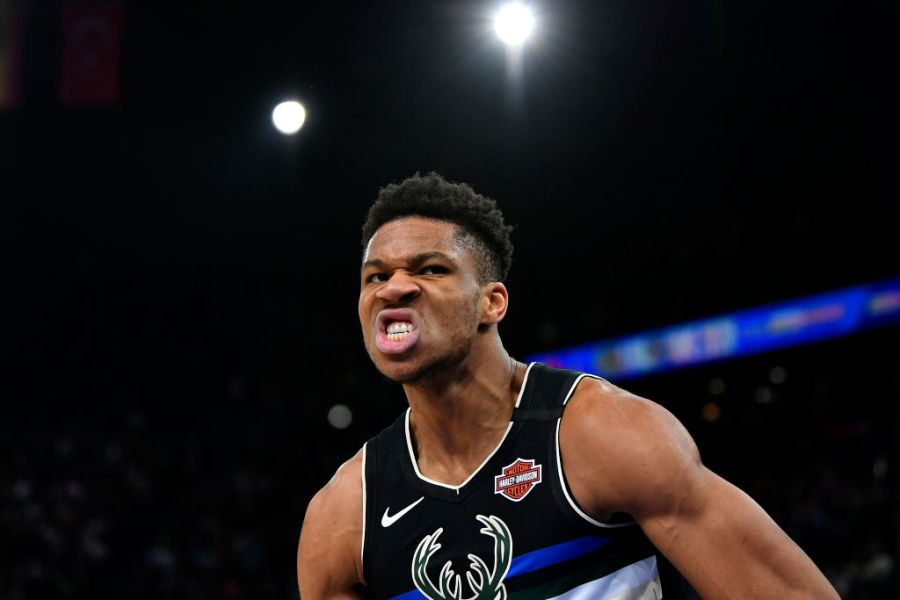 The 1 Stat That Proves Giannis Antetokounmpo Is Dominating ...
