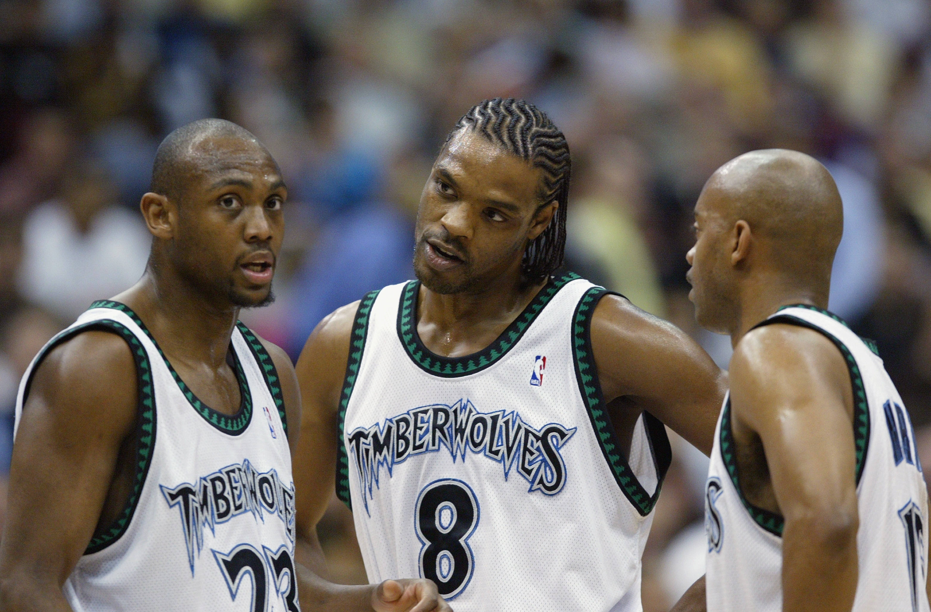 Latrell Sprewell with his Timberwolves teammates