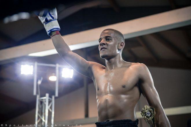 Luka Touon von der Sportschule Alex, Sieger im Kickboxen K1 bei der Phönix Fight Night 2017, Gala Verband: WKU Foto: Marcela Kamanis