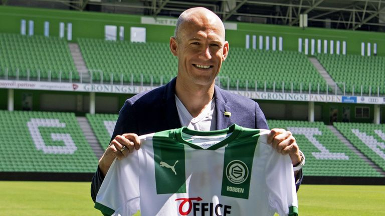 Arjen Robben had agreed to come out of retirement and sign for Groningen as he is lured out of retirement by clips from 'The Last Dance'.