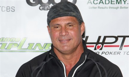 Jose Canseco Offers to Help Chris Davis after He Set the Record for Consecutive Hitless At-Bats