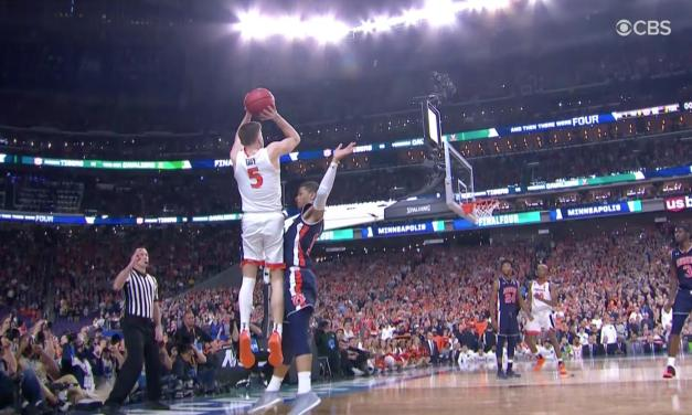 Virginia's Kyle Guy Fouled on Controversial Call at the End of Game Against Auburn