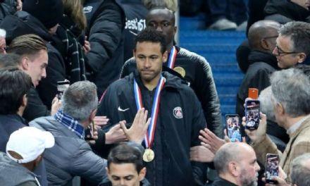 Neymar Jr Appears to Punch Fan After Tough Loss